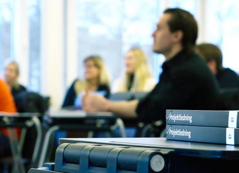 Bok i lektionssal Yrkeshögskolan Kungsbacka