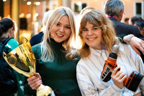 Våra moderatorer, Elsa Landberg och Alexandra Hvalgren