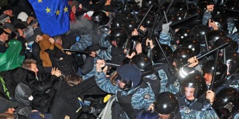 Ukraina: Våldsamt tillslag mot demonstranter