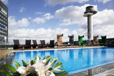 Utomhuspool på Clarion Hotel Arlanda Airport
