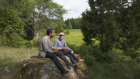 Özz Nûjen och Fredrik Hedenus
