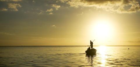 Mauritius_Fischerboot im Abendlicht©MTPA_Bamba