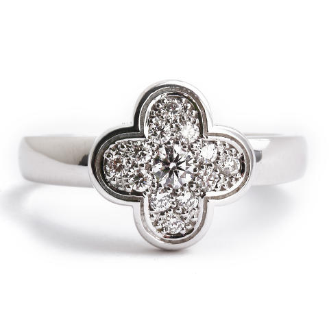 Van Cleef & Arpels: Ring of white gold and diamonds