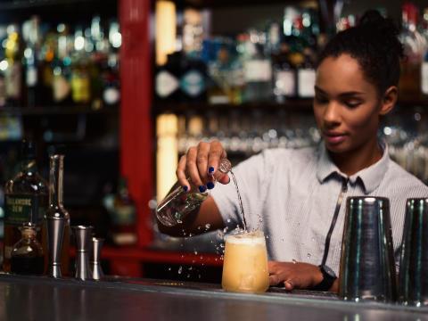 Hen-drinken gör upp med daterade smak-normer