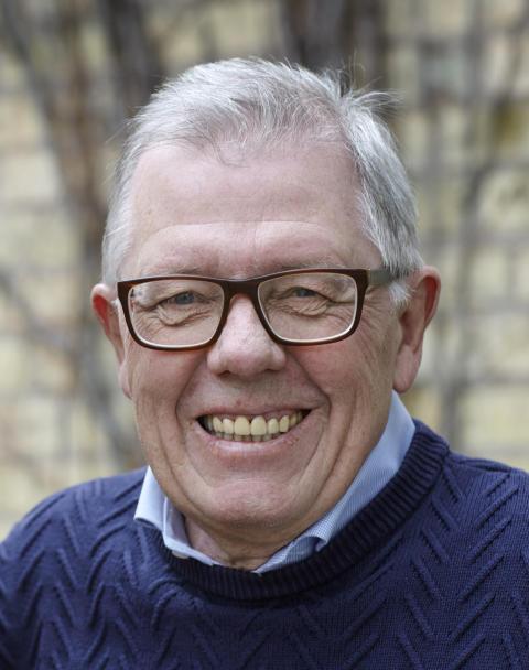 Professor Tom Lindström