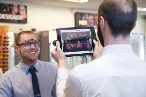 Specsavers erbjuder digital ögonmätning