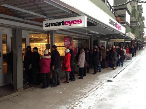 Ny butik: Smarteyes skänker glasögon till socialt utsatta i Sandviken