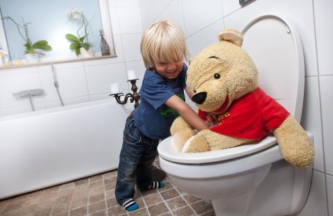 Vi slänger 7 000 ton skräp i toaletten varje år
