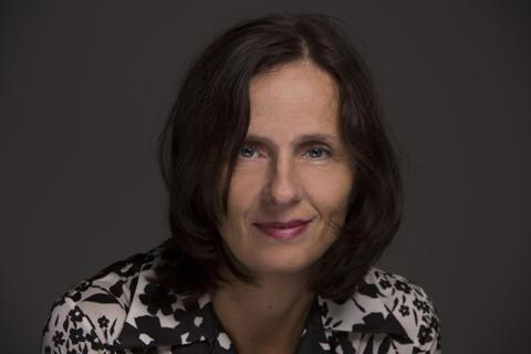 Susanna Alakoski skriver stor kvinnohistorisk romansvit