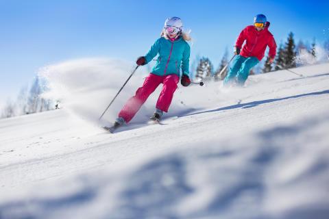 Branäs - Far og datter på ski Foto Branäs