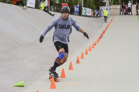 Skateboardslalom Niklas Hyland