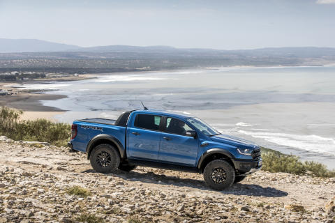 Raptor_Performance_Blue_030