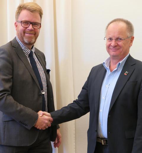 DRF blir medlem i MRF och inleder samarbete