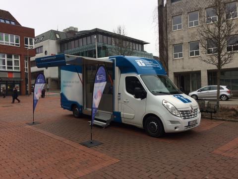 Beratungsmobil der Unabhängigen Patientenberatung kommt am 8. Mai nach Schleswig.