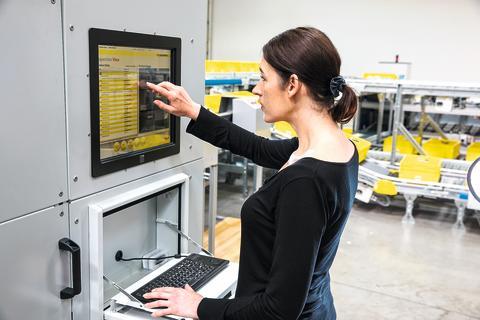 Scanningsmaskinen identificerer og dokumenterer produkterne fra alle seks sider med kamera