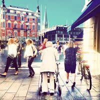 Linköpingsfolk berättar de vardagliga berättelserna, stort som smått, djupt och lättsamt.