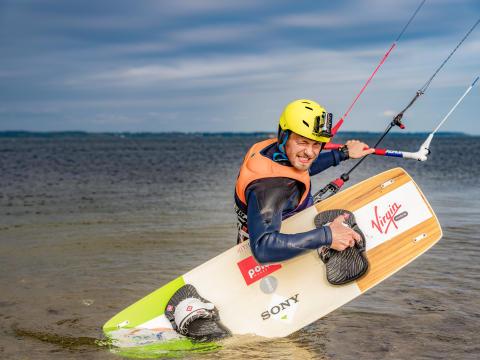 Mistrz świata w kitesurfingu bije rekord świata z Sony Action Cam