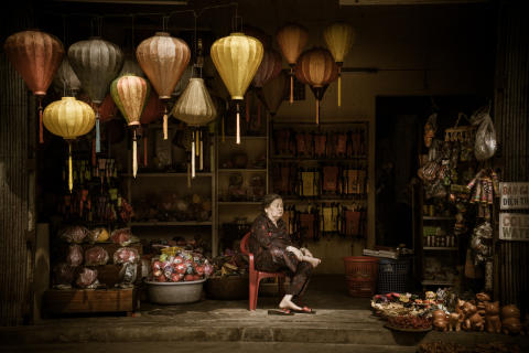 Copyright_Swee_Choo_Oh_Malasia_Winner_Open_Arts and Culture_Light, courtesy of SWPA 2016