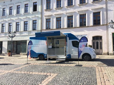 Beratungsmobil der Unabhängigen Patientenberatung kommt am 13. Mai nach Plauen.