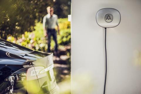 Charge Amps knyter laddstationer till EasyPark för enklare hantering av laddning och parkeringskostnad