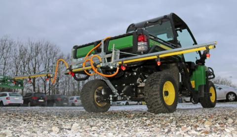 Spreadmaster og Slugmaster fra den newzealandske producent C-Dax er spredere til lynhurtig montering på en Gator ved hjælp af Quicksmart-adapteren.