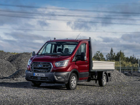 Transit_Chassis_Cab_002