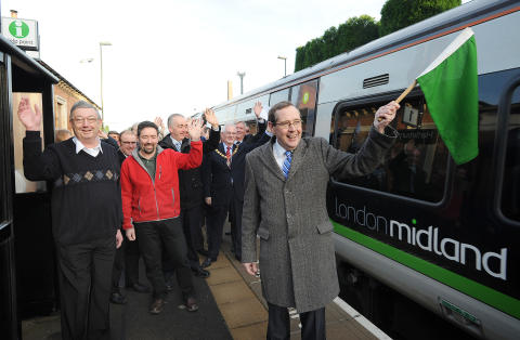 Hartlebury Residents Celebrate Best Rail Service
