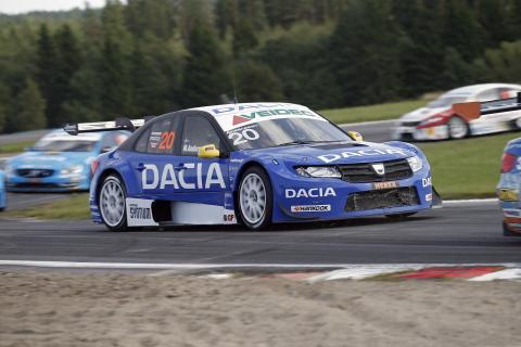 Formstarkt Dacia Dealer Team mot STCC i Tierp