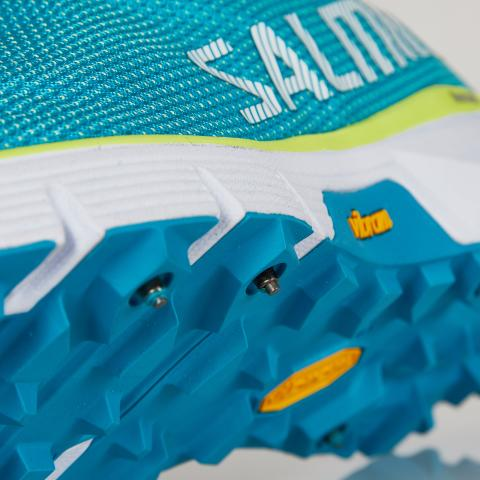 Salming iSpike with tungsten cabide studs