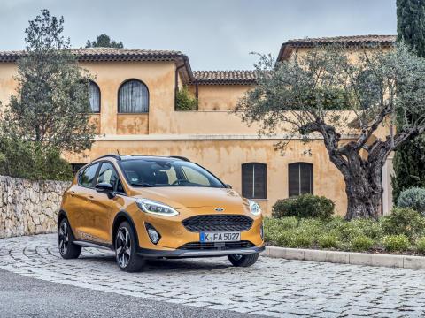 Ford Fiesta-familjen utökas med två nya modeller