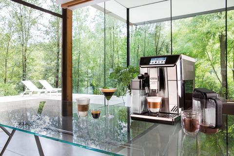 Primadonna Elite Experience skapar enkelt ditt unika kaffe – både som varm och kall dryck