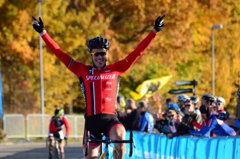 Nu ska SM-medaljerna delas ut på Cykelcross