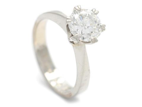 Exklusiva 20/10, Nr 41, ENSTENSRING, platina, briljantslipad diamant 1,50 ct enligt gravyr, ca River(E)/VVS1-VVS2