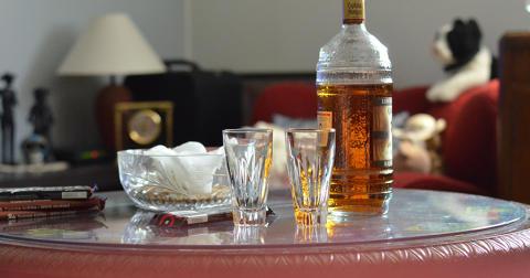 Pitkäaikainen alkoholin käyttö jäykistää valtimoita