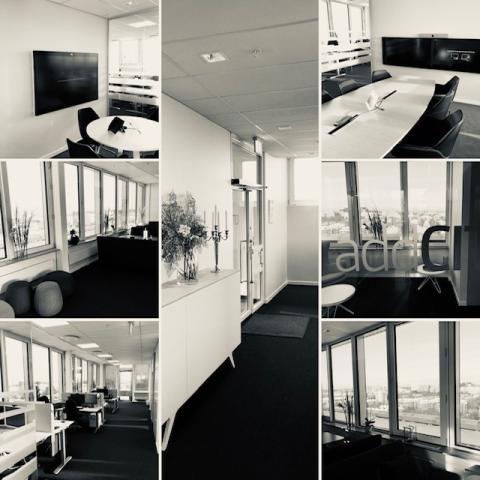 Bild kontoret svart vitt