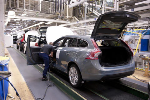 The production of the new V60 started 2010 in the Torslanda plant.