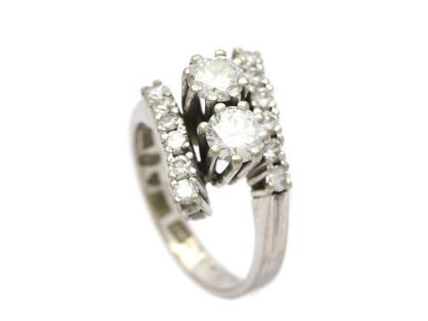 Klassiska 30/1, Nr: 215, RING, 18K vitguld, 2 briljantslipade diamanter 0,95 ctv