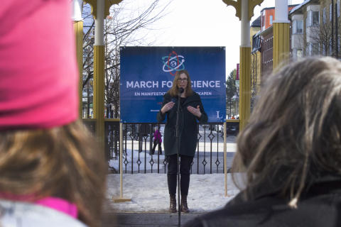 Anna Krook-Riekkola, en av Luleå tekniska universitets forskare som talade under March for Science i lördags.