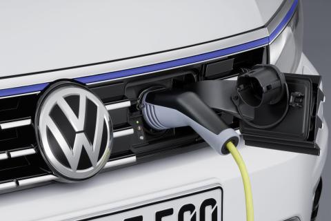 Volkswagen erbjuder idag elbilarna e-up! och e-Golf samt laddhybriderna Golf GTE och Passat GTE.