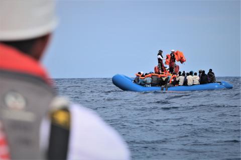 Centrala Medelhavet: Räddningsfartyget Ocean Viking får lägga till i Italien