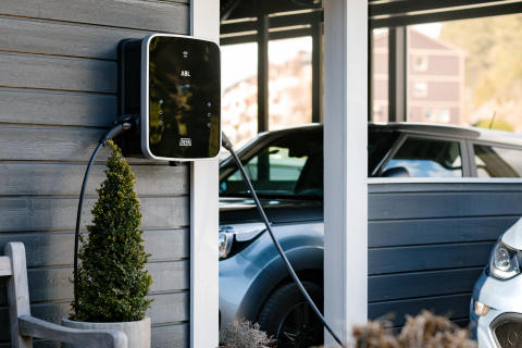 Laddboxar och laddning av elbilar - Kort och gott – följ regelverk och rekommendationer!