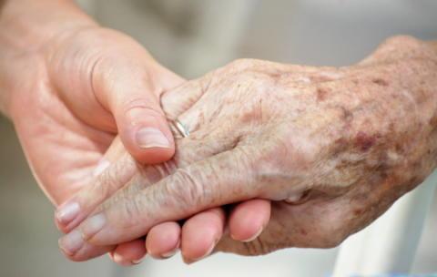 Äldres sårbarhet utnyttjas - det måste stoppas!