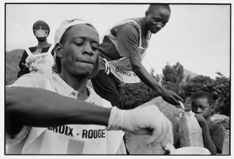 Röda Korset satsar på fotoutställning för krigens offer
