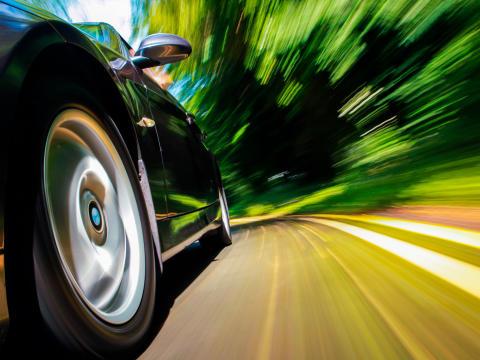 Dinitrol lancerer behandling mod dæk- og vejstøj