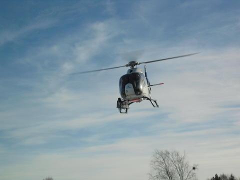 Sandviken Energi besiktar högspänning med helikopter