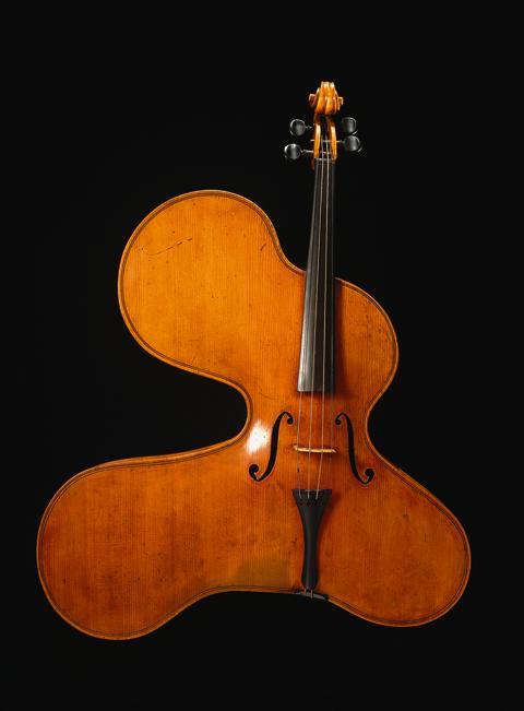 Amøbeformet violin fra Musikmuseet
