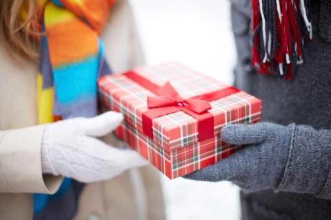 Julhandla smart och säkert på nätet