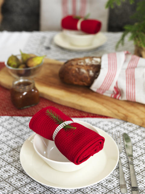 5) Runner Hjo, Kitchen towel Dorotea, Place mat Ludvika