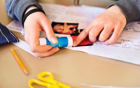 Letterbox Club bokpaket ska stärka barn i utsatthet