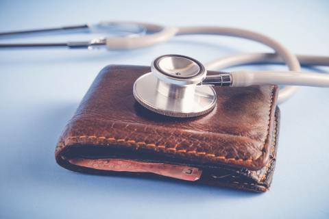 Selbstzahlerleistung beim Arzt abgelehnt – Behandlung verweigert! Patienten suchen Rat bei der Unabhängigen Patientenberatung Deutschland (UPD)
